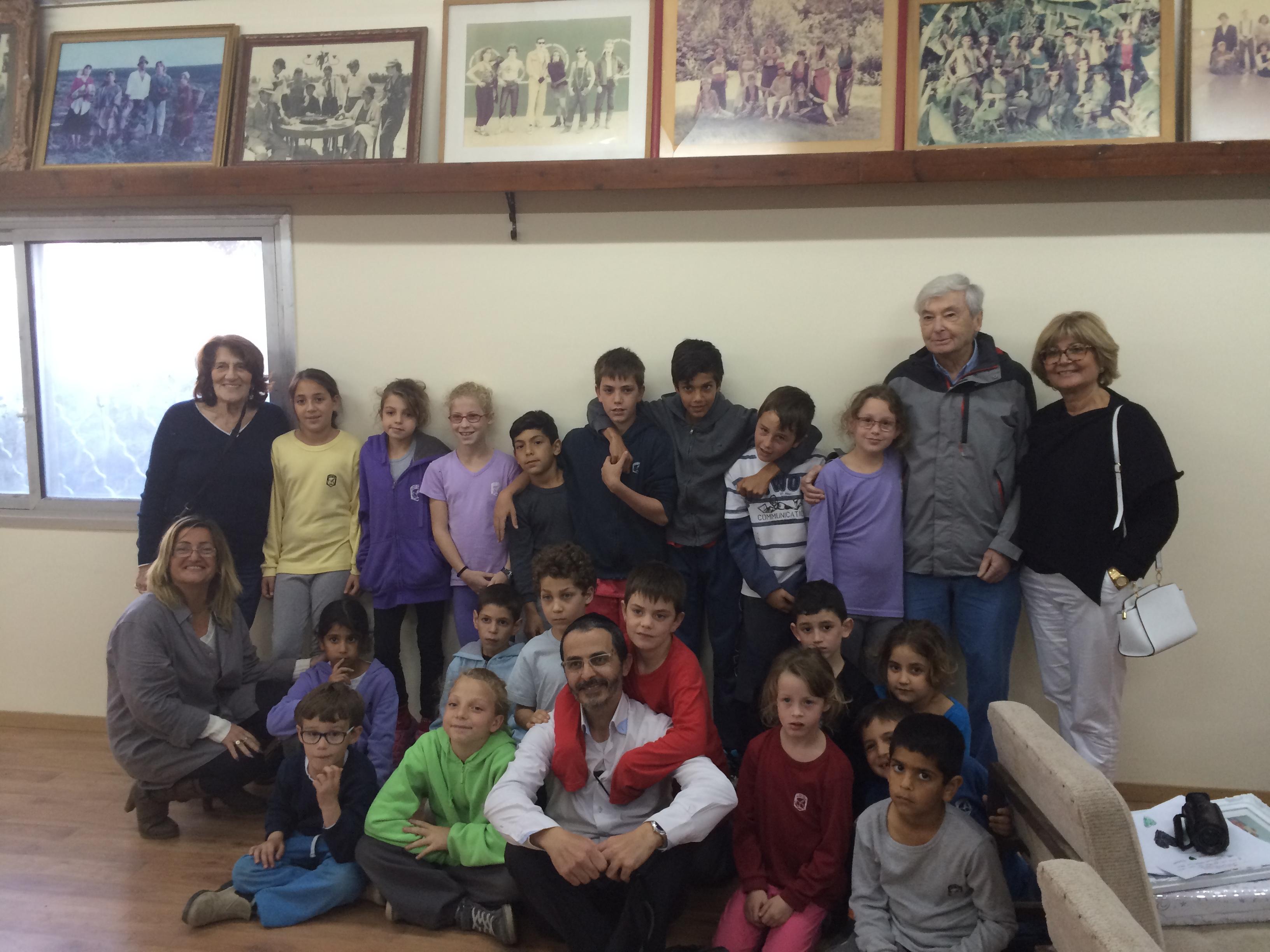 Les enfantsde Sdérot avec l'équipe locale de SSF