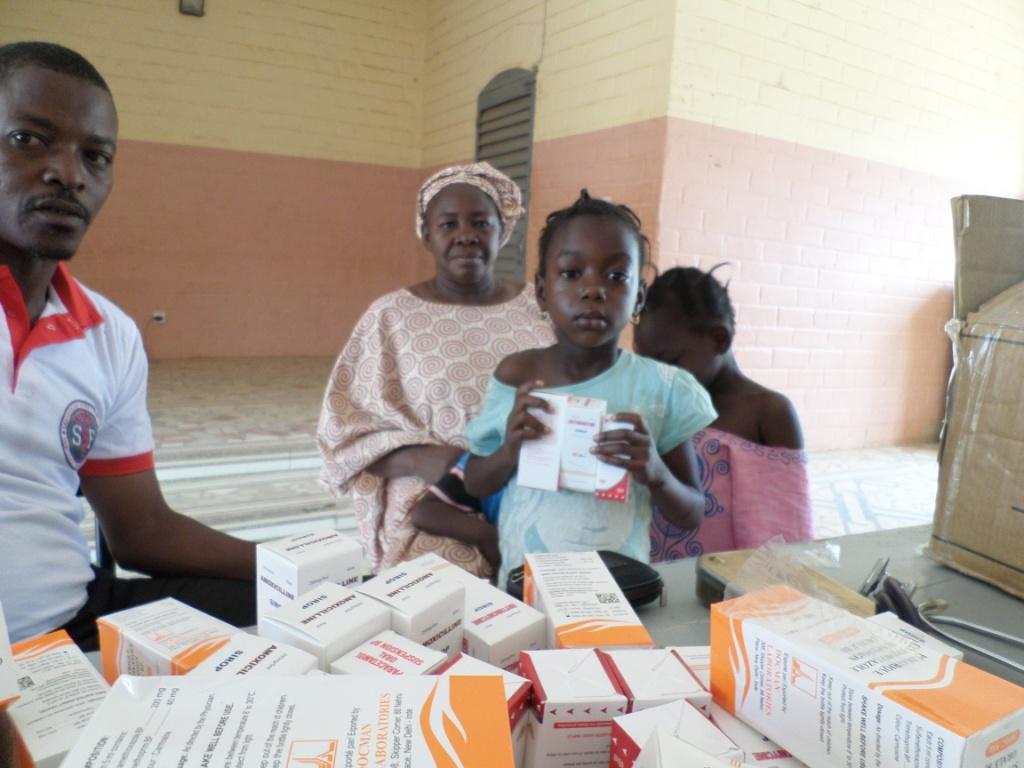 Médicaments livrés à Sanakoura (Mali)