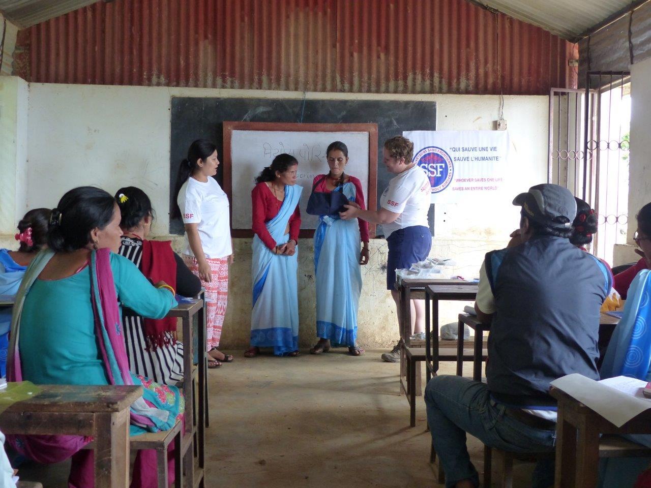 Mamta, Sonia et deux stagiaires, Thokarpa, Népal Août 2015