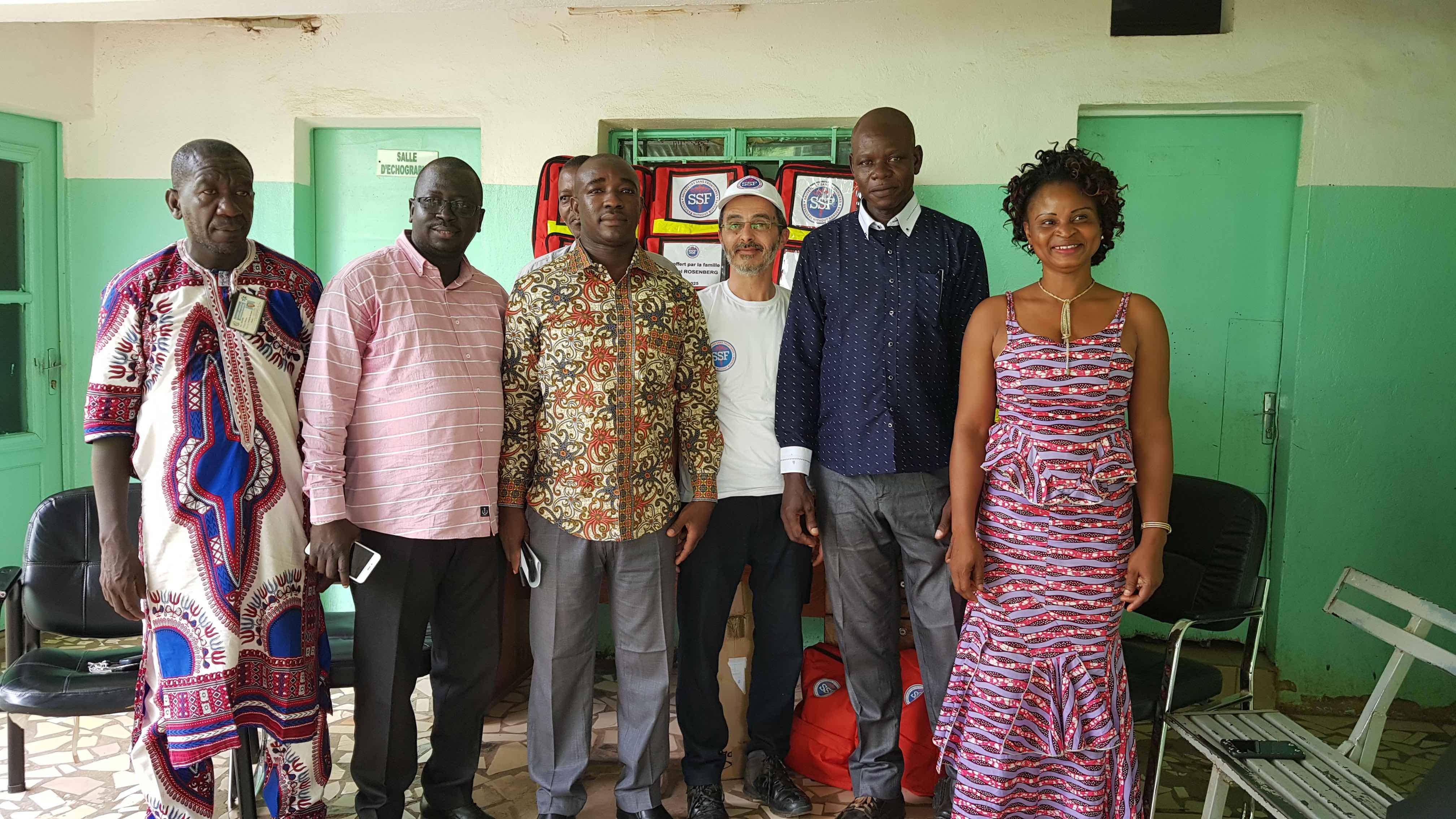 Remise de kits pour le Burkina Faso