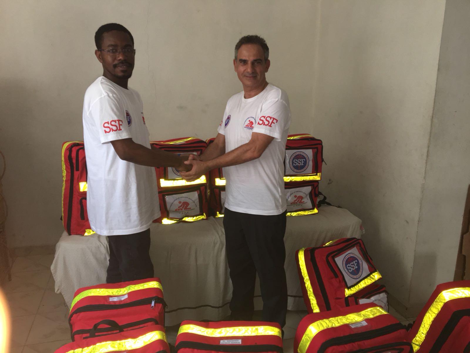 Remise de kits de secours, Port au Prince, le 08 Juillet 2018