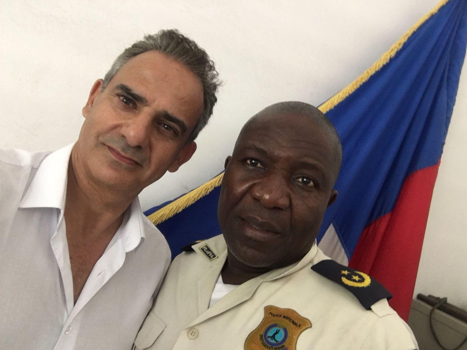 Fernand et le Commissaire divisionnaire Pierre Ronda, environs de Port au Prince, le 07 Juillet 2018